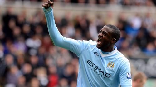 Yaya Celebrates the second goal