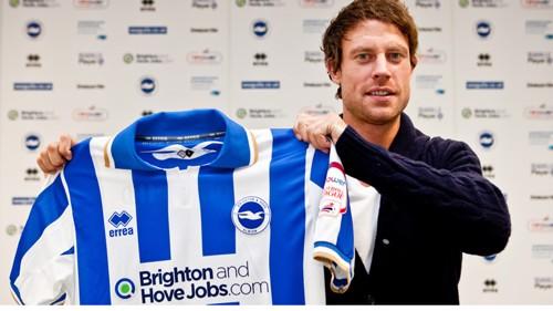 Wayne Bridge signs for Brighton
