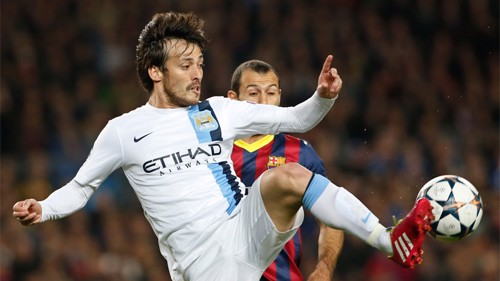 David-Silva-kicking-the-ball-PA-19277827.jpg
