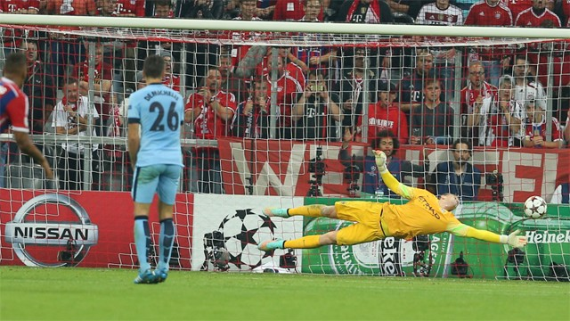 web-Joe-hart-super-save.jpg