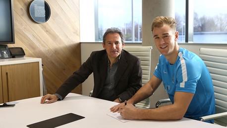 Hart renovou contrato com o City até 2018/2019