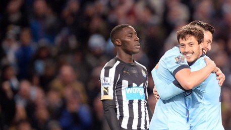 Silva receives Player of the Month award