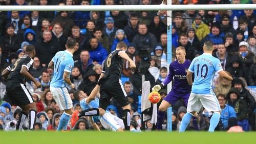 Robert Huth opens the scoring for Leicester
