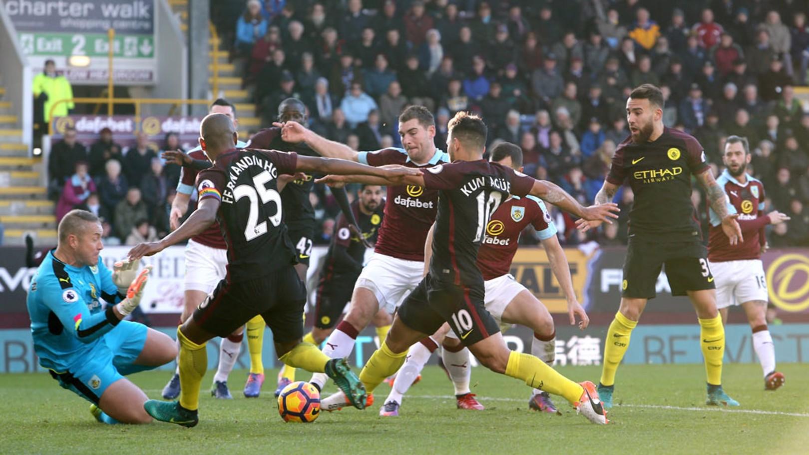 Fernandinho destaca 'espírito de campeão' em vitória sobre o Burnley