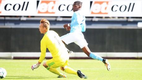رابي ماتوندو سجل الهدف الأول للسيتي