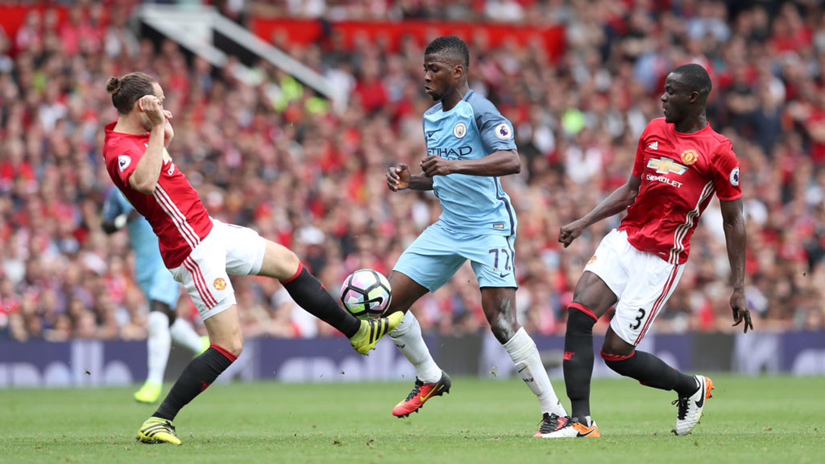 KELECHI IHEANACHO: On the ball