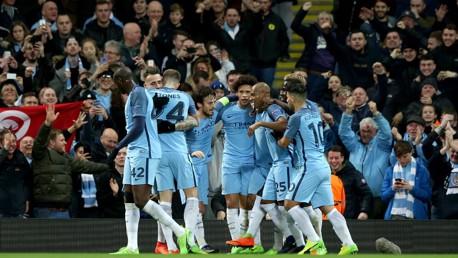Los aficionados y jugadores del City celebran un tanto ante el Mónaco en la pasada Liga de Campeones.