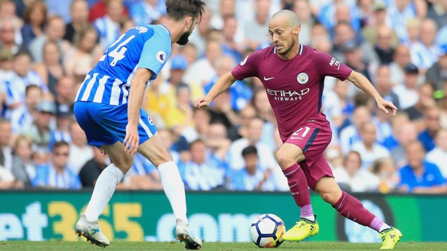 EL MAGO: David Silva attempts to dribble past Davy Propper.