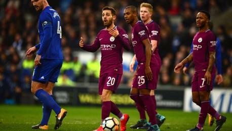 부심의 오프사이드 판정으로 무효 처리된 베르나르도 실바의 골 그리고 그에 대한 이유를 감지하지 못하는 시티 선수들