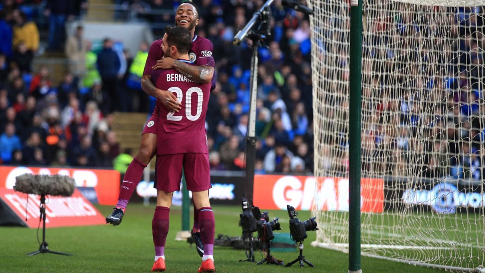 EQUIPE DE SONHO: O cruzamento brilhante de Bernardo Silva, deu a Sterling um gol de cabeça