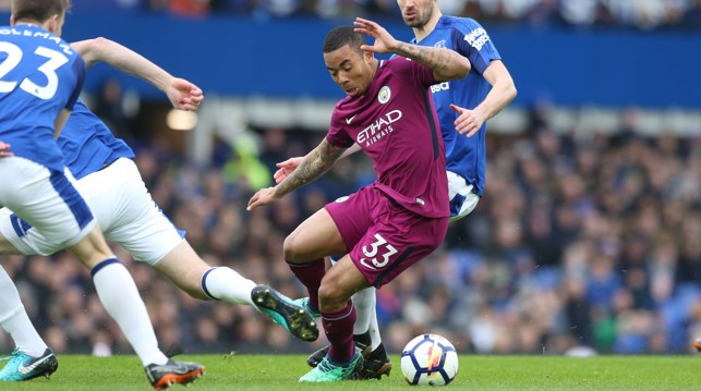 QUICK FEET: Gabriel Jesus navigates his way through a flurry of blue shirts.