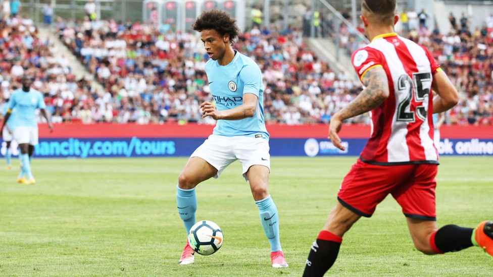 ONE ON ONE: Leroy Sané and Pablo Maffeo had a duel.