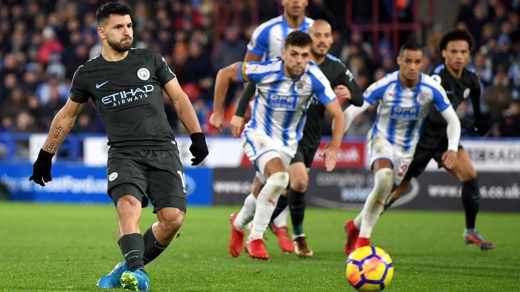 Sterling offre la victoire à City en fin de match