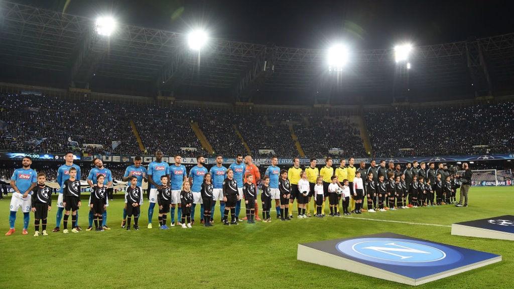 Gol histórico de Aguero coloca City nas oitavas