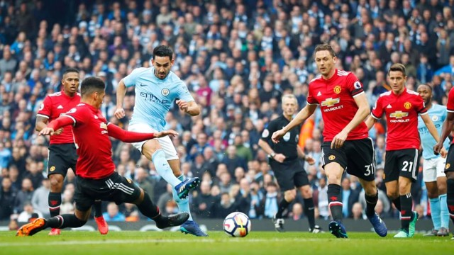 fb12a2434 AT THE DOUBLE  Ilkay Gundogan doubles City s lead with a brilliant strike  after a wonderful