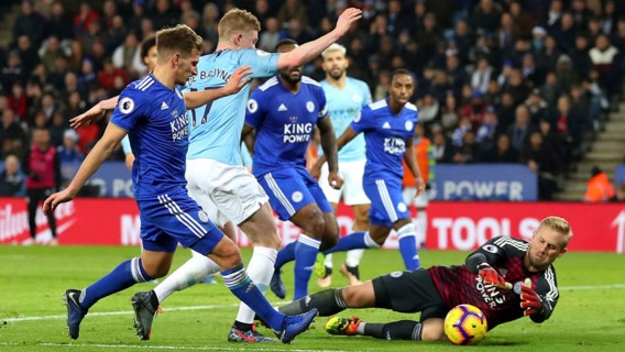 SO CLOSE: Kasper Schmeichel dives to deny Kevin De Bruyne