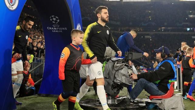 Bernardo Silva walks out onto the pitch of the Arena AufSchalke