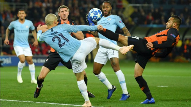 VOLLEY GOOD SHOW: David Silva causes panic in the Shakhtar ranks with this effort on goal