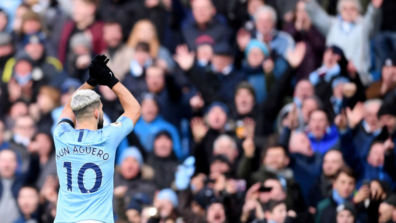 Sergio Aguero salutes the Etihad faithful.