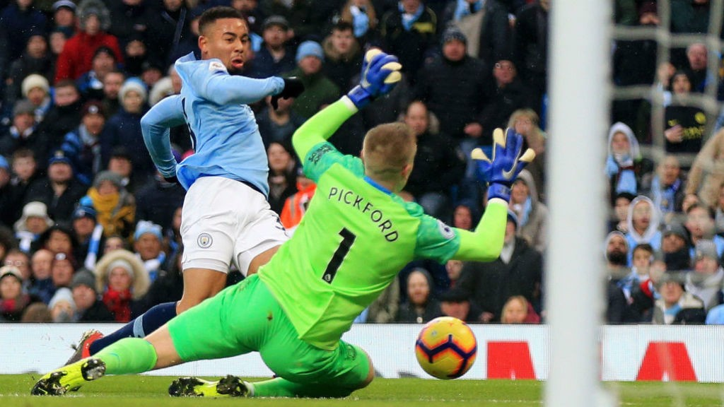 GIFT OF THE GAB: Gabriel Jesus beats Jordan Pickford to fire City into the lead