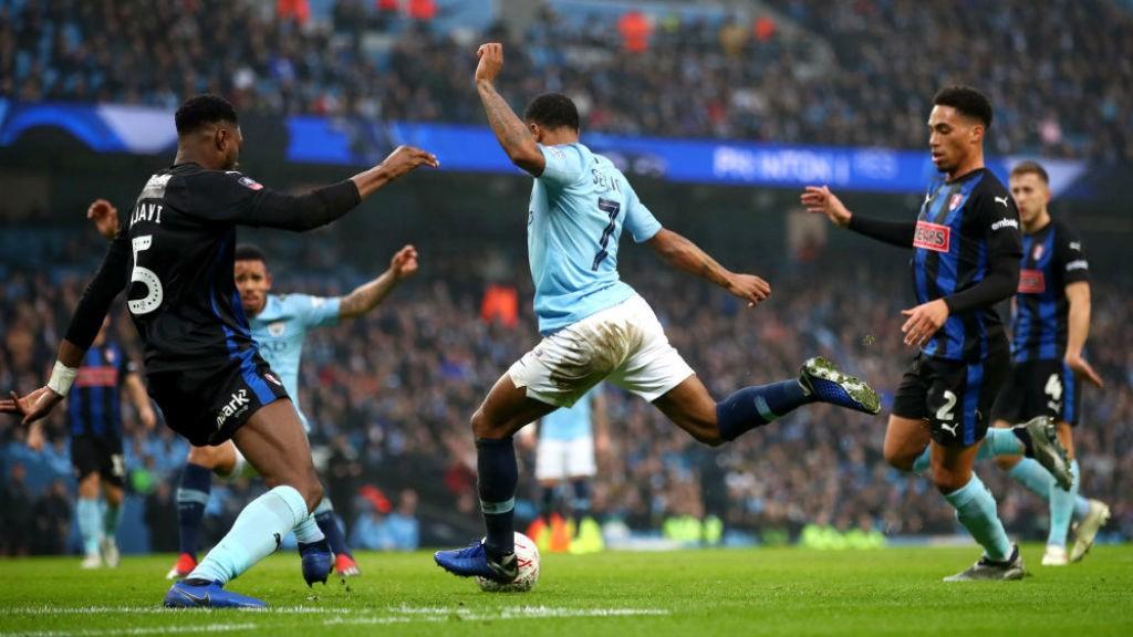 City goleia o Rotherham e avança na FA Cup