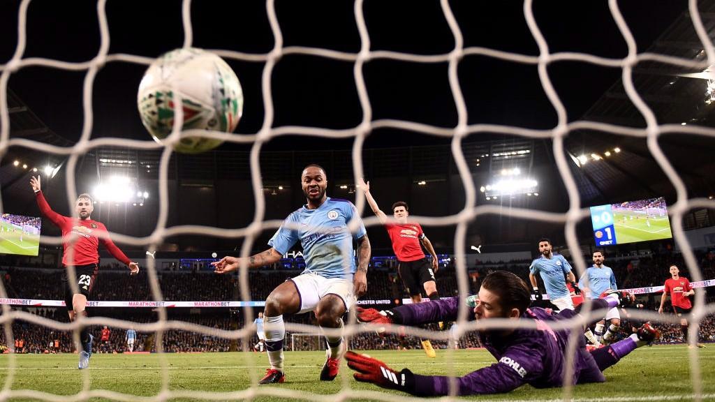 Marcó dos goles el City ante el United, pero ambos fueron anulados.