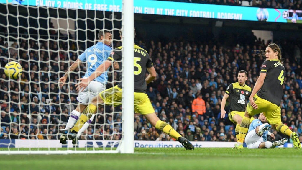 LATE WINNER: Walker finds the net and the Etihad erupts!