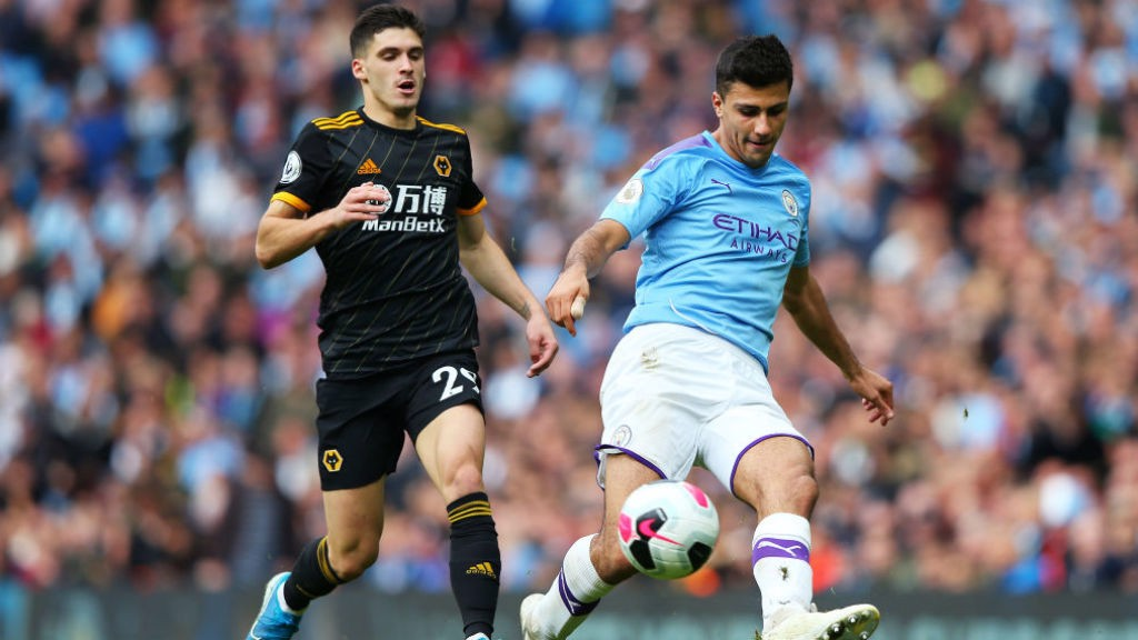 City s'incline face aux Wolves