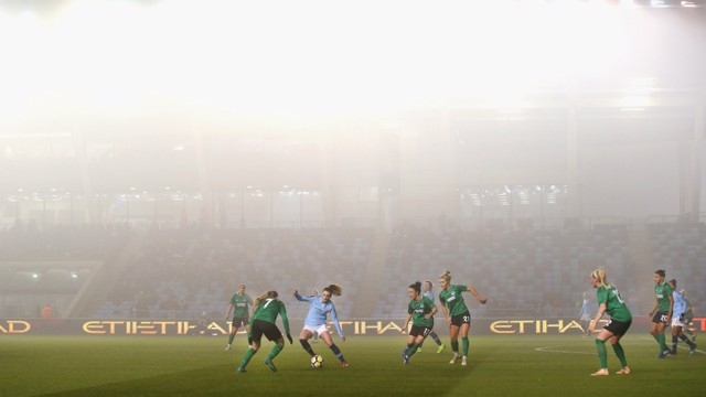 PEA SOUPER: A foggy Academy Stadium