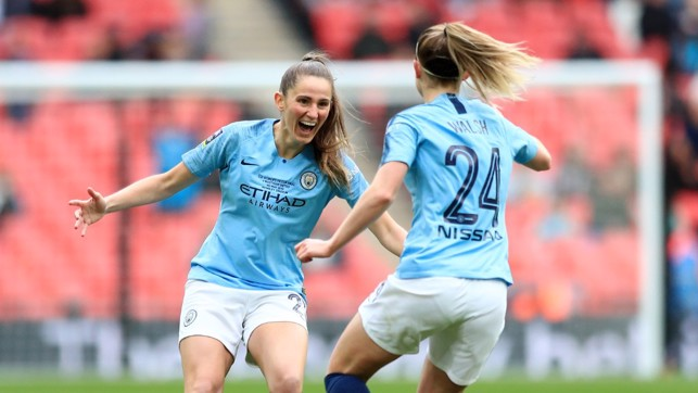 Keira Walsh opens the scoring for City!