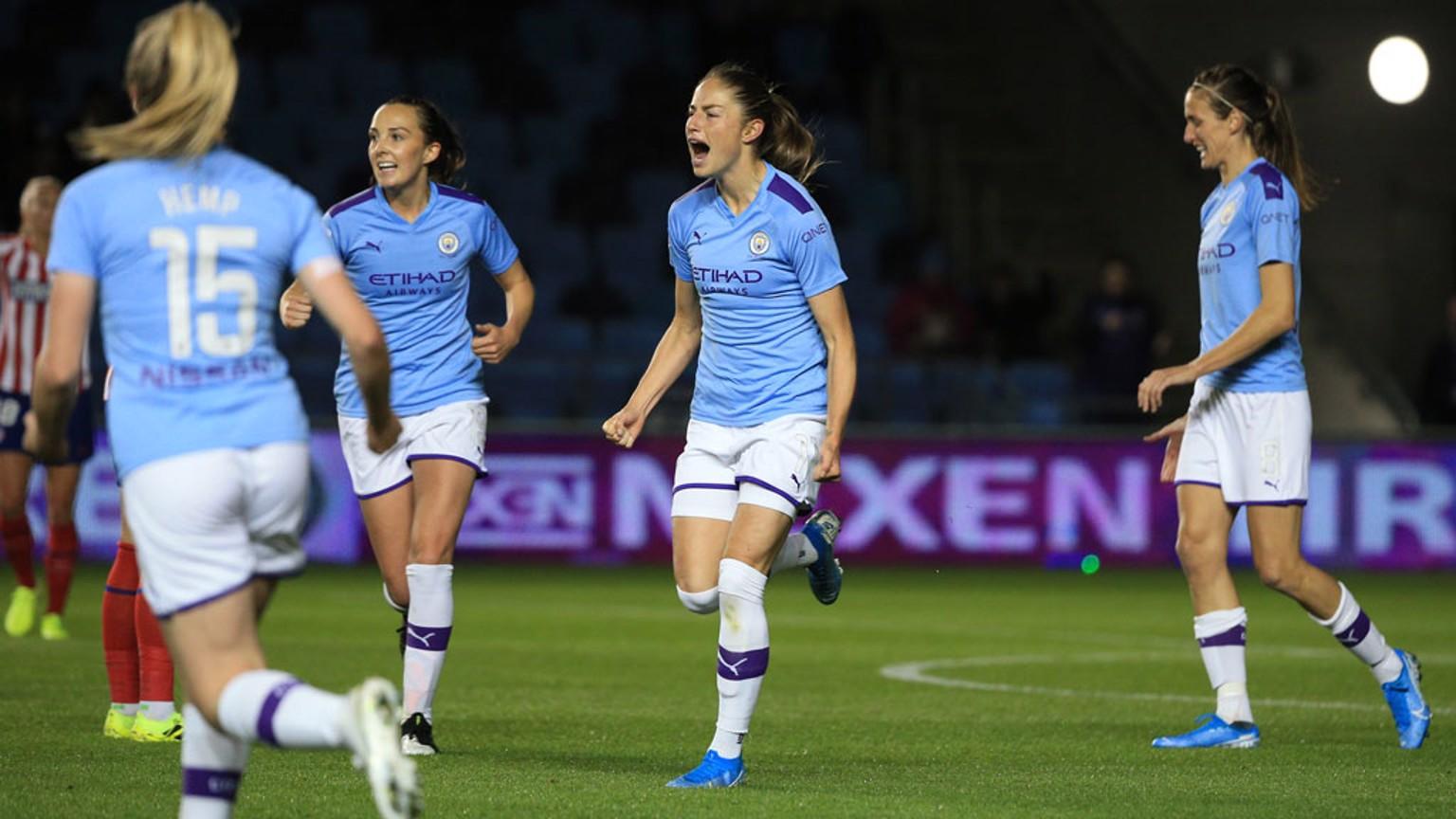 Janine Beckie celebra su quinto gol de la temporada.