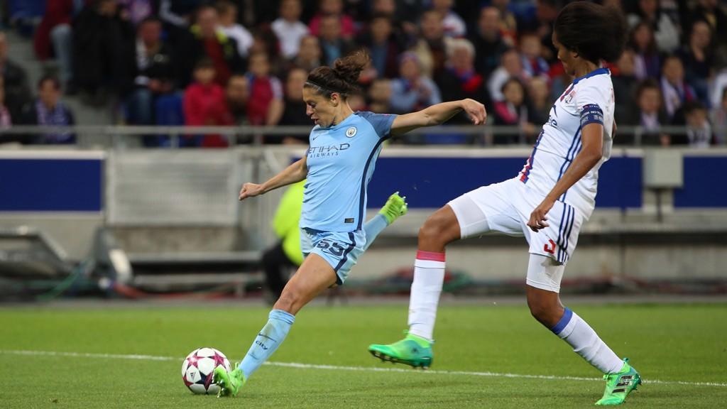 Lloyd marcó el gol de la victoria en casa del Olympique de Lyon.