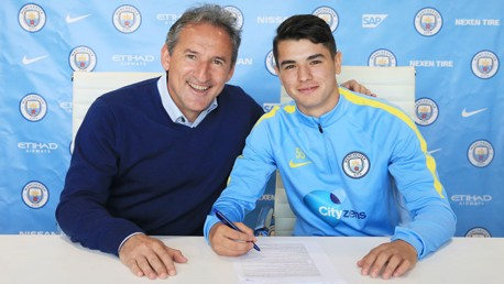 Brahim Diaz signs three-year contract with City