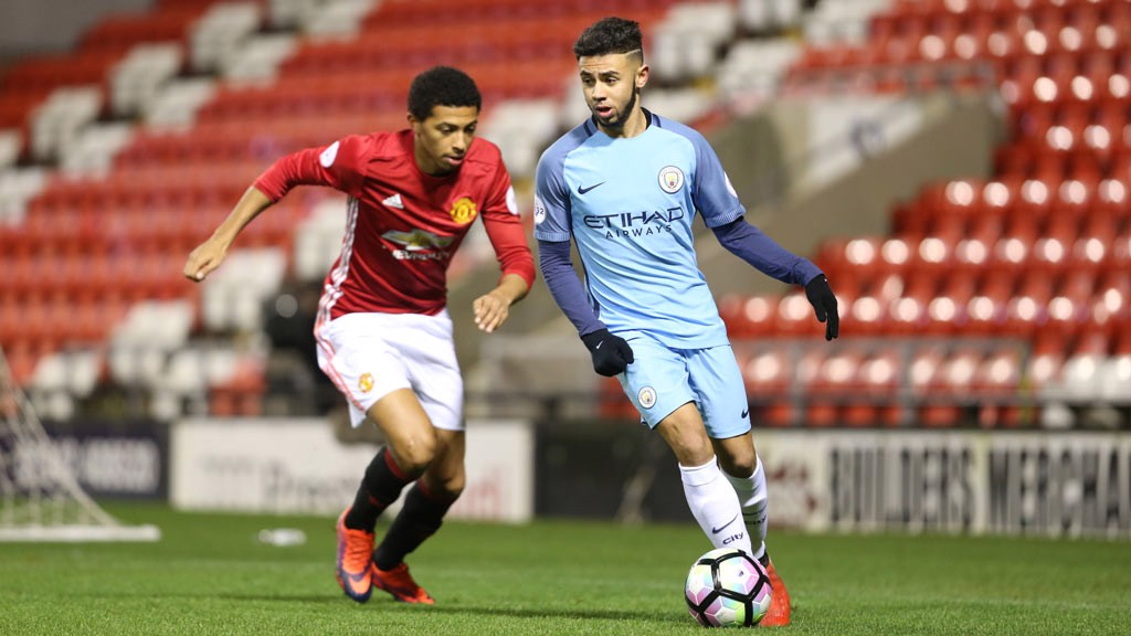 WHICH WAY: Paolo Fernandes tries to fool United's Demetri Mitchell as City come forward once again