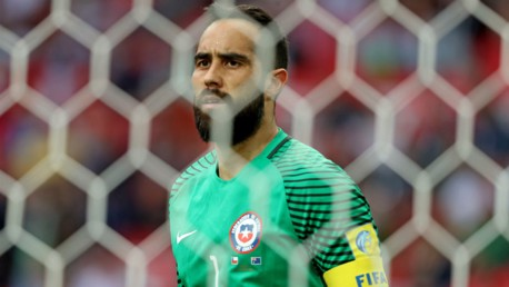 Bravo jadi pahlawan Chile ke final