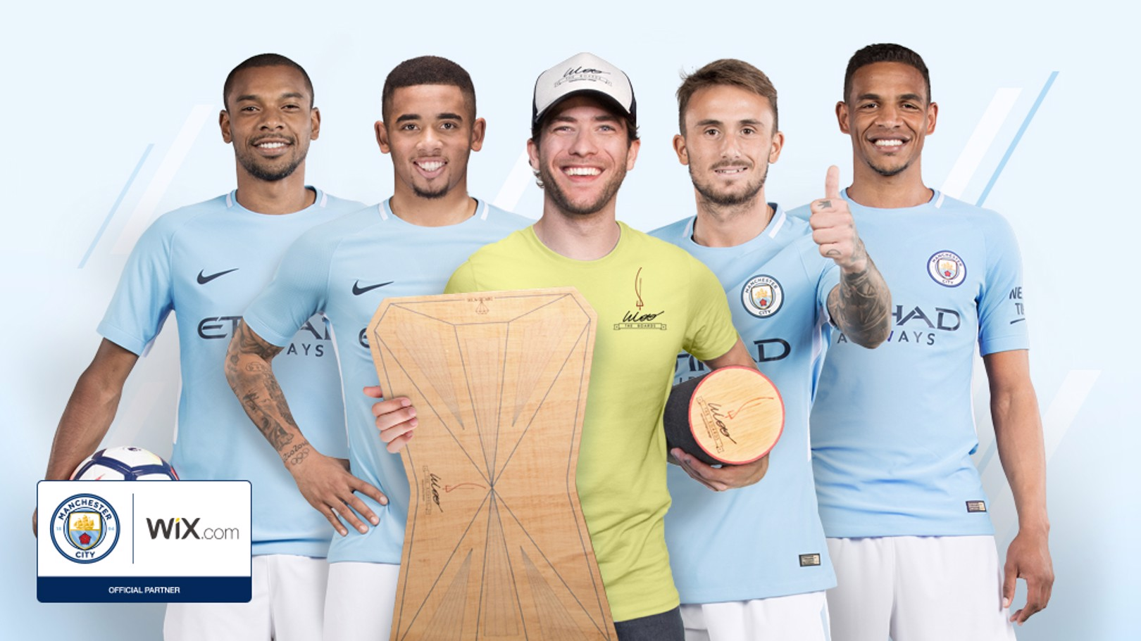 Man City bintangi iklan Wootheboards.com