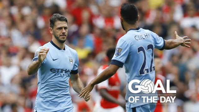 EQUALISER: Martin Demichelis rescues a point for City at Arsenal in 2014.
