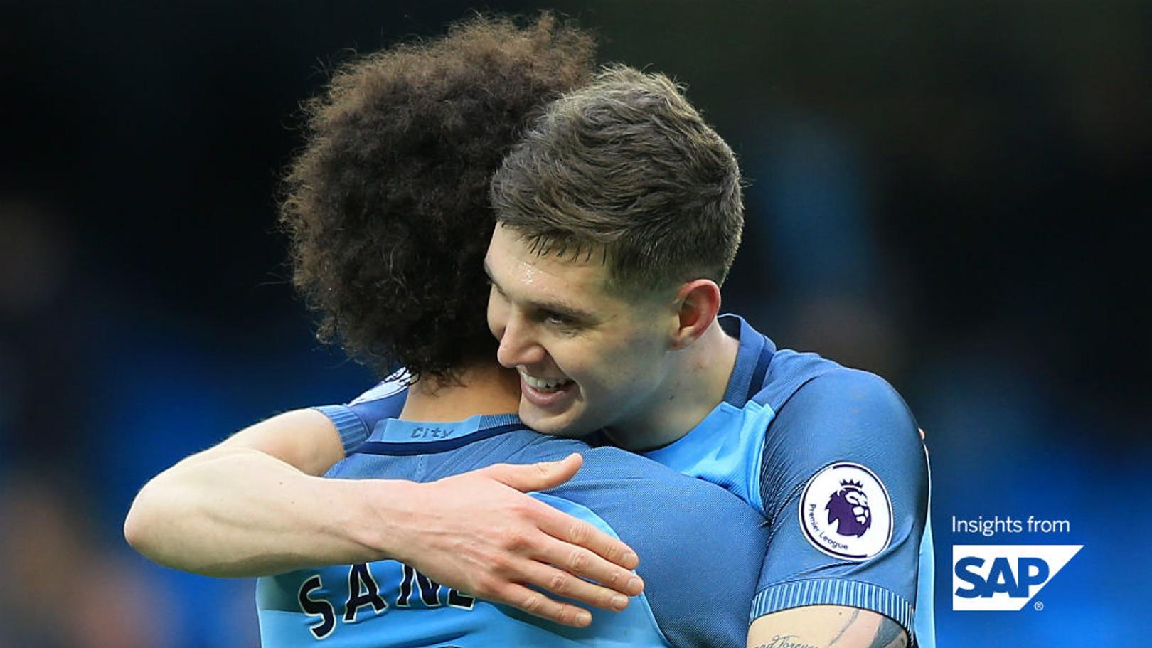 Sané y Stones están siendo claves en 2017 para el Manchester City.