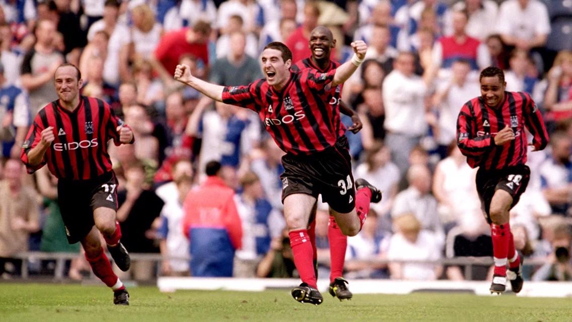 GOAL! Mark Kennedy scores against Blackburn Rovers