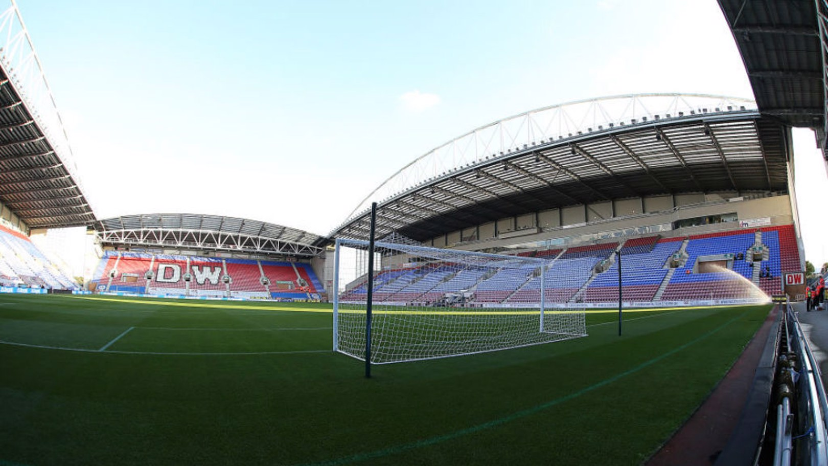 El DW Stadium, hogar del Wigan Athletic, será donde el Manchester City dispute los octavos de final de la FA Cup.