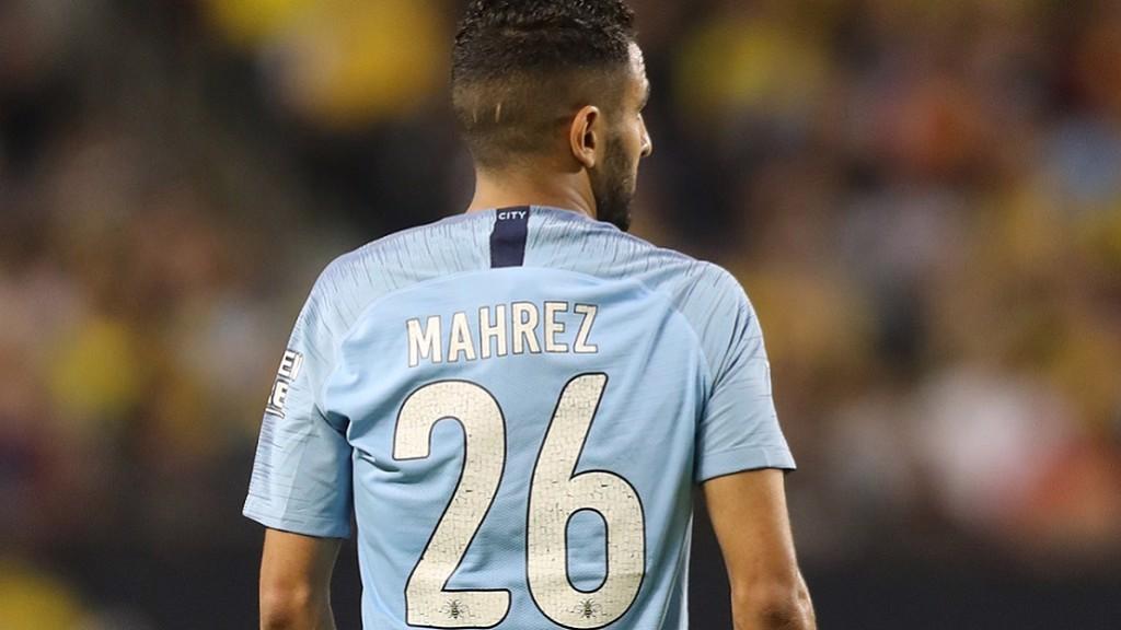 Con Mahrez ante el Chelsea