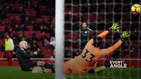 David Silva cerró el marcador ante el Arsenal.