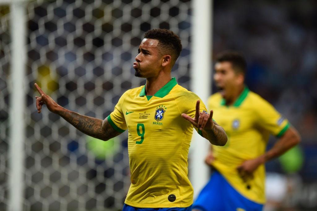 Gabriel faz gol contra a Argentina