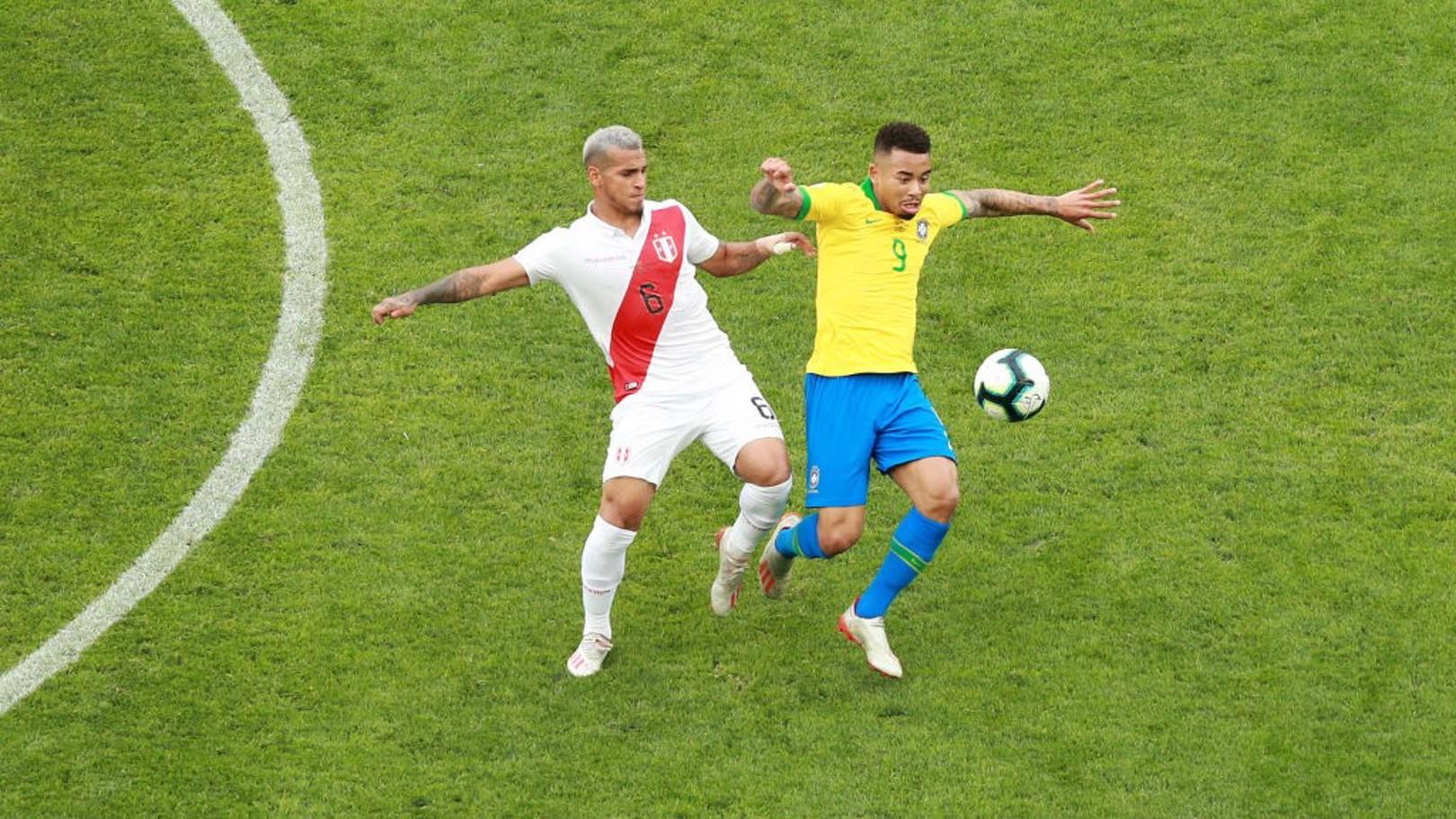 NÚMERO NUEVE: Gabriel Jesus en acción con Brasil contra Perú