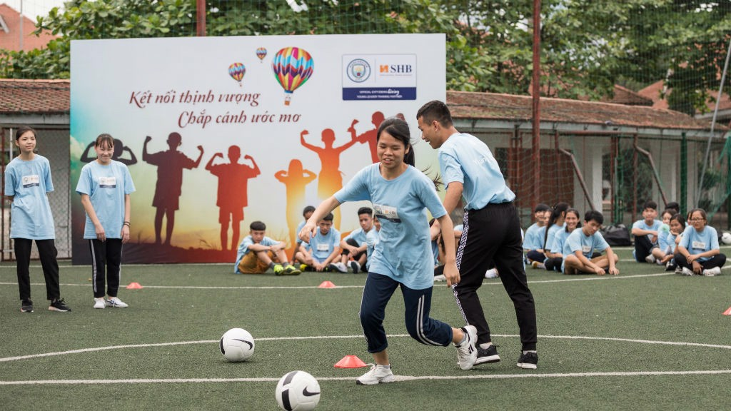 964ed25d92 CITC deliver Young Leader training in Vietnam - Manchester City FC