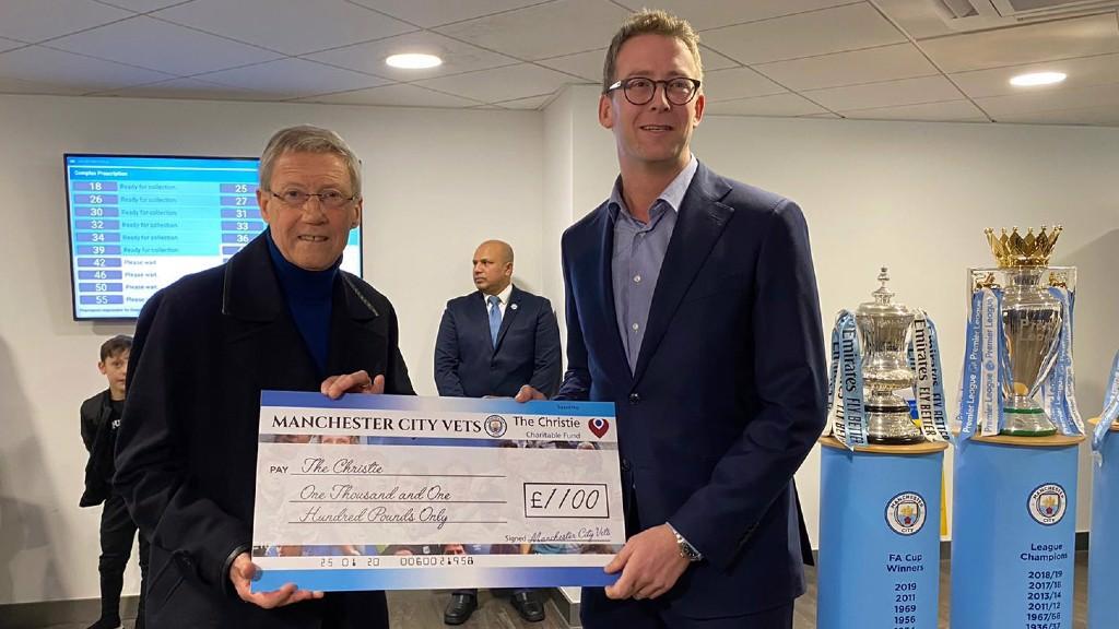 Former players make Christie Hospital donation