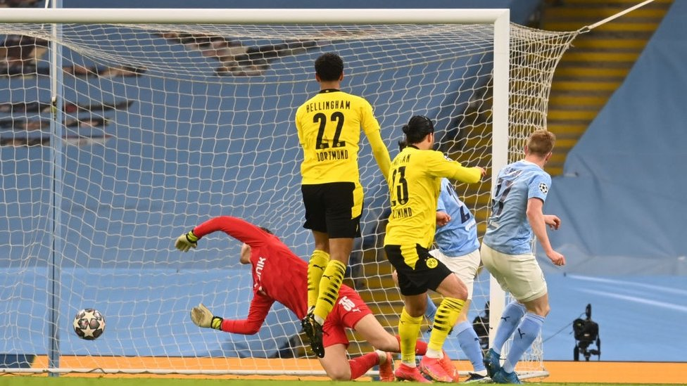 KD-BLAST : De Bruyne smashes City ahead in the 19th minute!