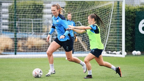 Gallery: Sam Mewis' first training session