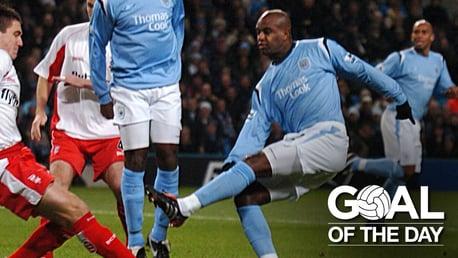 Goal of the Day: David Sommeil v Birmingham 2005