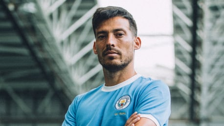 Di balik layar: David Silva model seragam City 125